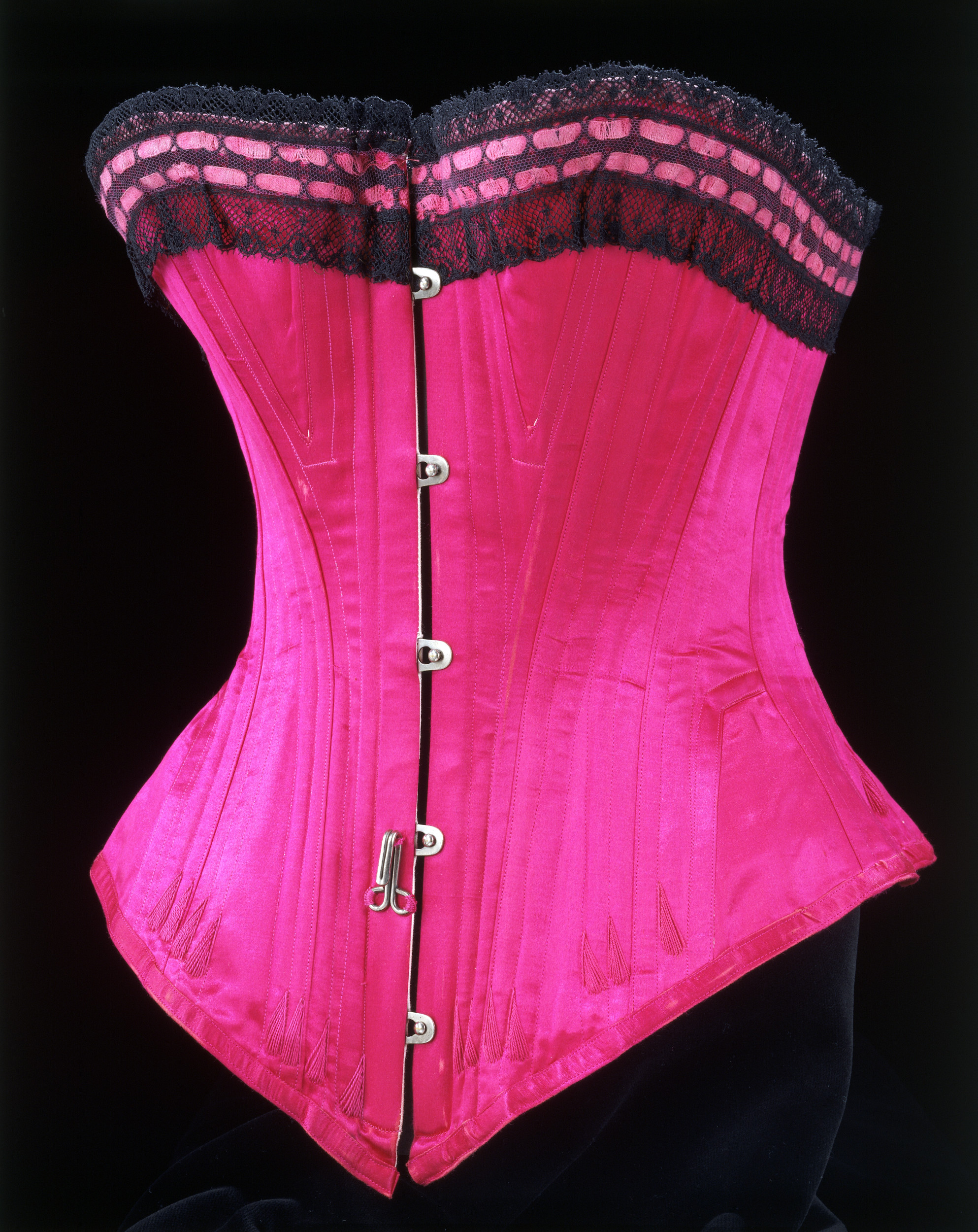 Corset, 1890-1895 (c) Victoria and Albert Museum, London